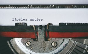 black-and-red-typewriter